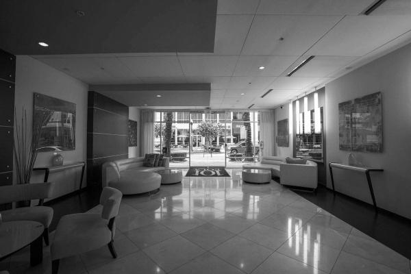 101-eola-lobby