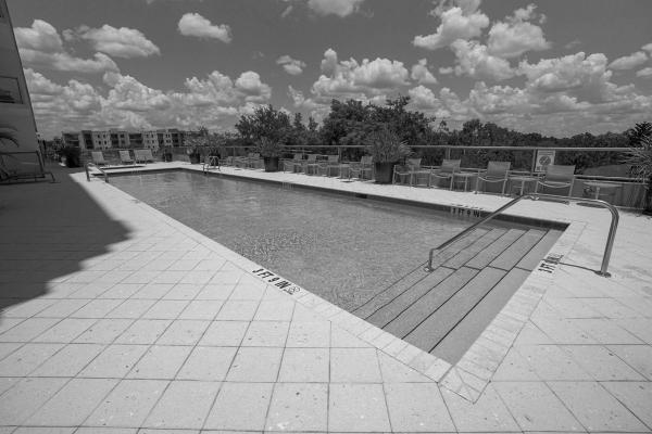 101-eola-pool