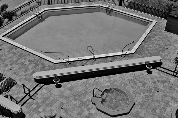 ReevesHouse_0001_pool