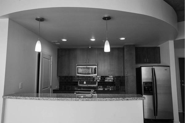 Solaire_0011_condo-kitchen